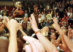 John Weatherspoon lors du titre en 1999 © Belga