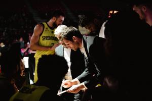 Coach Sam Rotsaert en plein remaniement tactique.